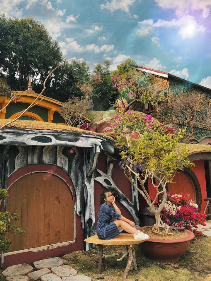 Những ngôi nhà nhỏ nhắn xinh xắn tại Làng cổ tích Đà Lạt tour Đà Lạt 1 ngày lạc lối thành phố hoa