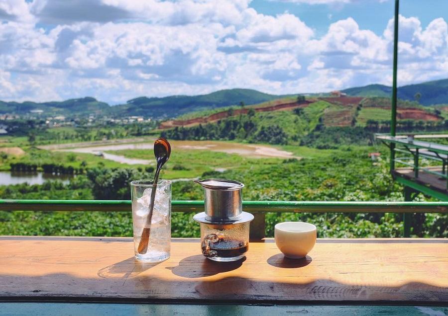 cà phê mê linh đà lạt tour ngoại thành đà lạt 1 ngày thác voi chùa linh ẩn