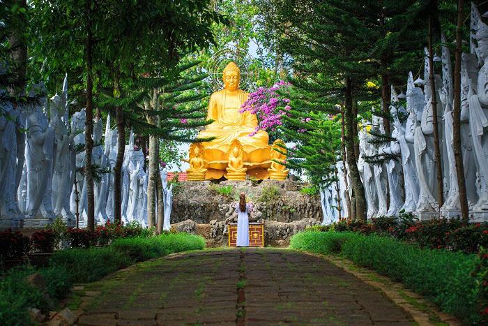 chùa linh ẩn đà lạt tour 3 thác đà lạt