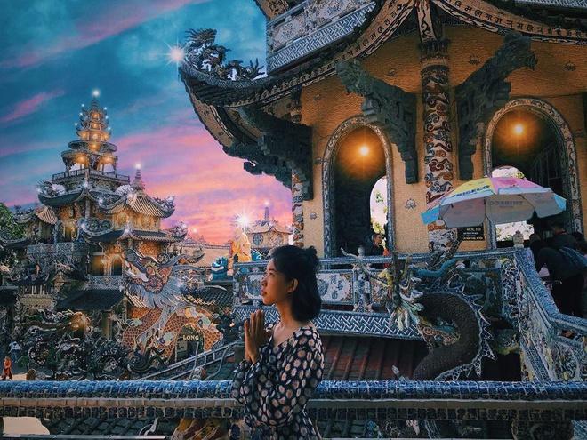 Chùa Linh Phước Đà Lạt với 11 kỷ lục Việt Nam và Thế giới. tour đà lạt 1 ngày lạc lối thành phố hoa