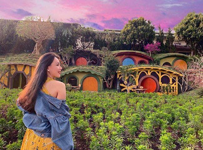 Làng cổ tích-Hầm rượu vang Đà Lạt