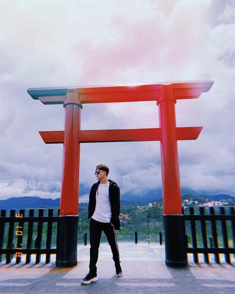 Cổng trời tại cà phê Đà Lạt View là biểu tượng may mắn trong văn hóa Nhật Bản.