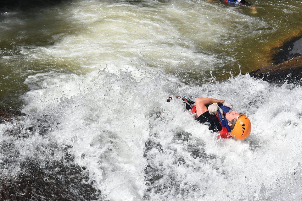 Trượt nước thật Yomost tại thác Datanla!