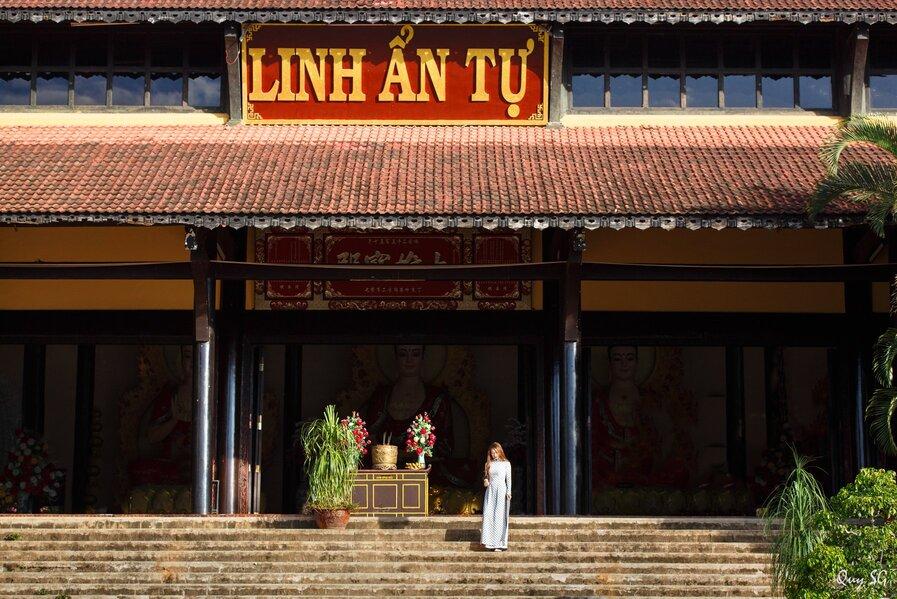 Chùa Linh Ẩn Đà Lạt với lối kiến trúc vừa đẹp cổ kính, vừa hiện đại. Nguồn ảnh: Qui SG.