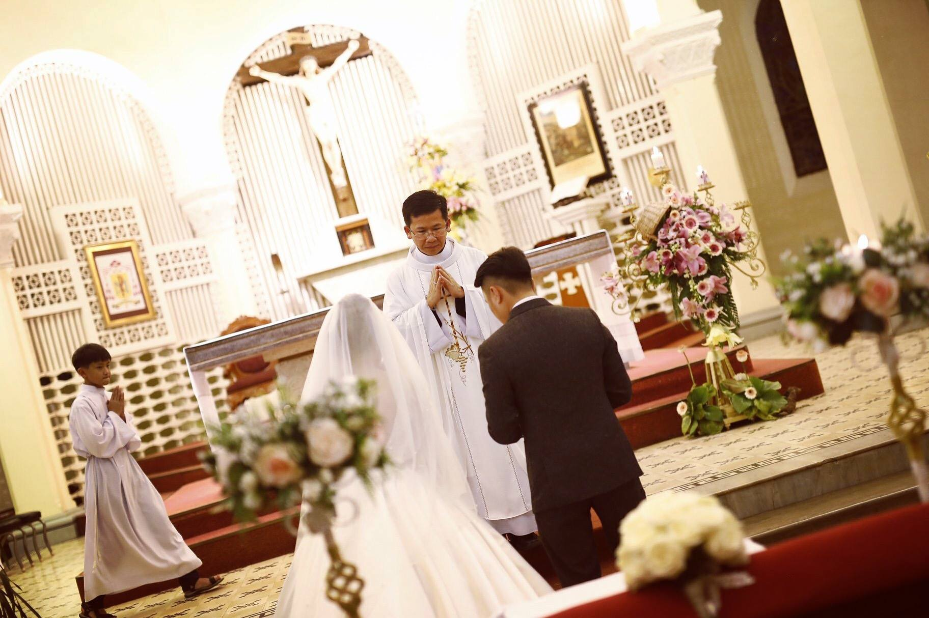 Hôn lễ được cử hành tại nhà thờ Chánh Tòa Đà Lạt.