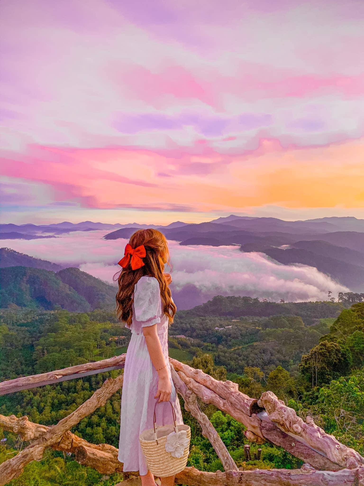 Khoảnh khắc hừng đông giữa mây ngàn đẹp rạng ngời :)