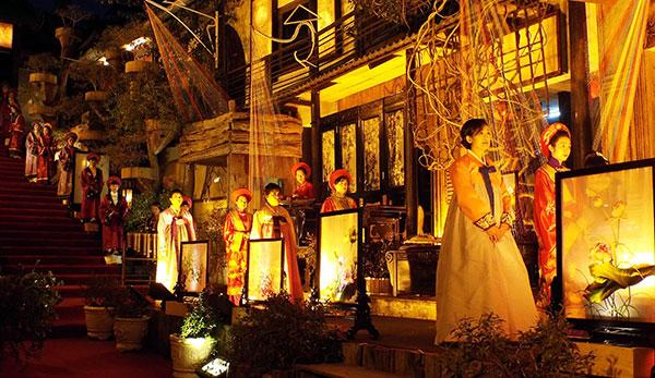 Một trong những hoạt động giao lưu và quảng bá văn hóa truyền thống diễn ra tại XQ Đà Lạt.