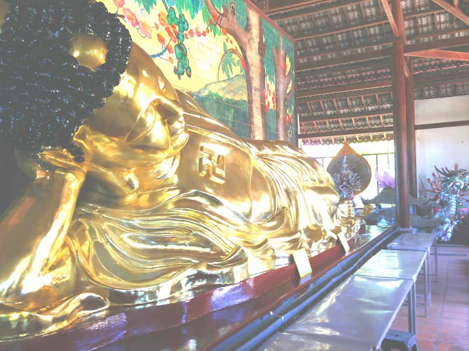 Tượng Phật nằm đẹp tôn nghiêm tại Thiền Viện Vạn Hạnh Đà Lạt.
