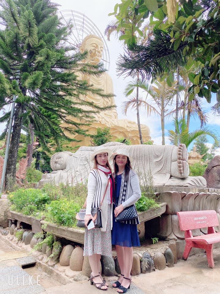 1 góc khuôn viên tại Thiền viện Vạn Hạnh Đà Lạt.