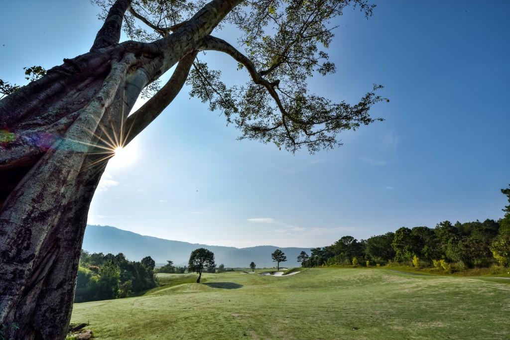 1 Góc sân golf Đà Lạt 1200.
